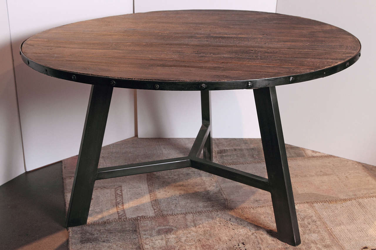 Ellis 51″ Round Dining Table – Black Legs