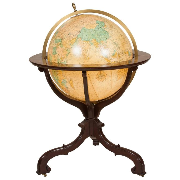 Ergo – Illuminated Globe On Stand