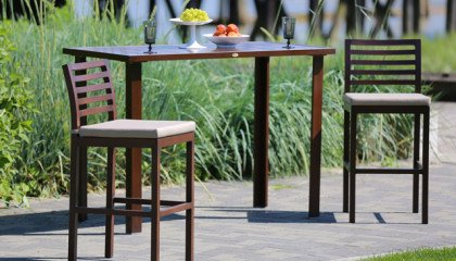 Ratana – Madison Bar Table And Chairs