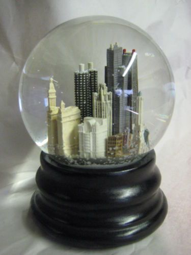 Found This Photo On The Internet Somewhere There Was No Tutorial With The Photo Or Detailed Instructions On How To Re Purpose Old Globes Into Fun Light